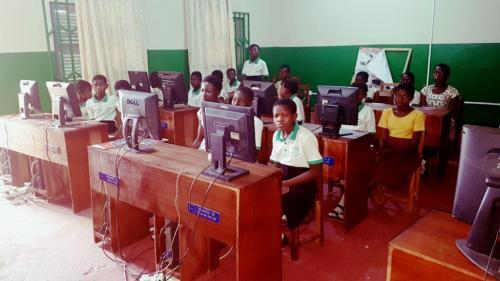 Desks For students (1)