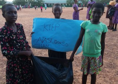 Kloe Kares - Giving Tuesday (21)